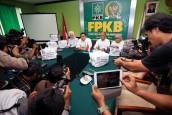 FPKB Serahkan 1.000 Sarung untuk Pengungsi Rohingya